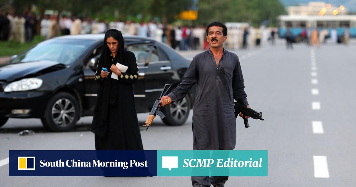 Pakistan police shoot gunman after standoff | South China Morning Post