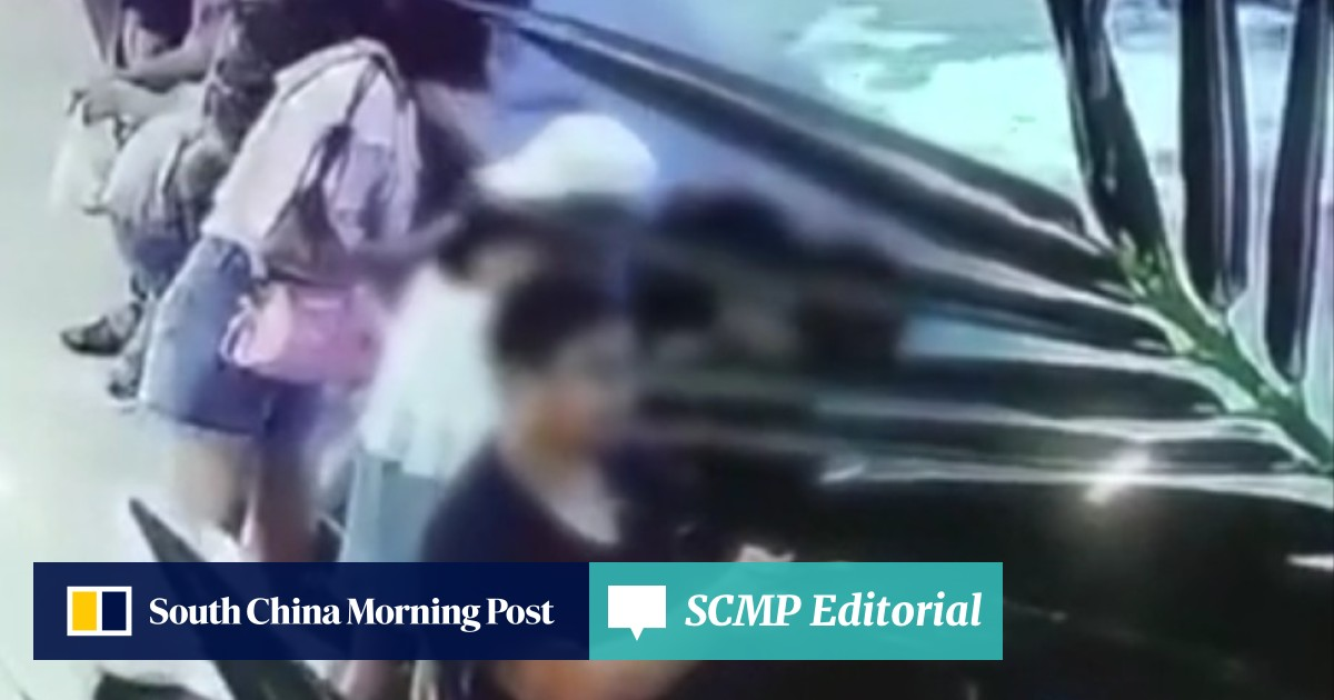 Girl, 6, attacked by shark at open-top aquarium in Chinese
