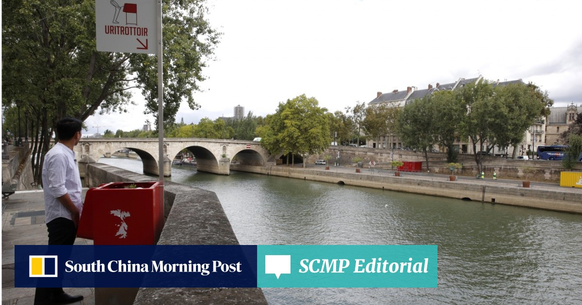 Loo with a view: Paris peeved at very public 'eco-friendly' urinals