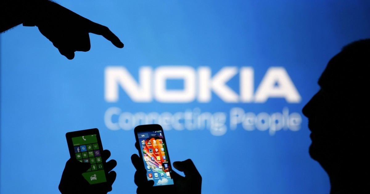 Nokia delays phablet launch after Microsoft deal: source