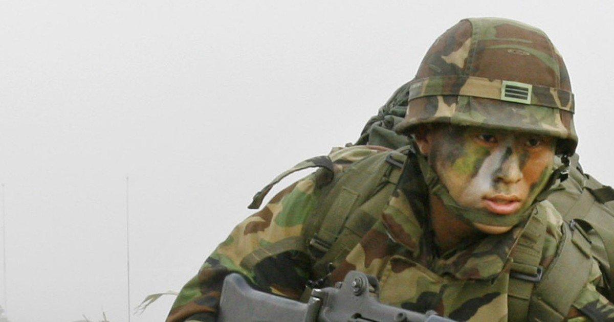 Which South Koreans are famous enough to avoid military