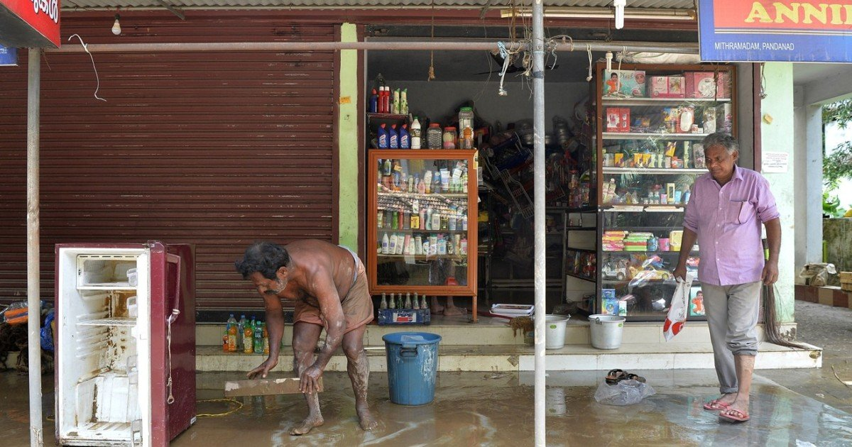 India's flood-hit Kerala state faces shortages of 'rat fever