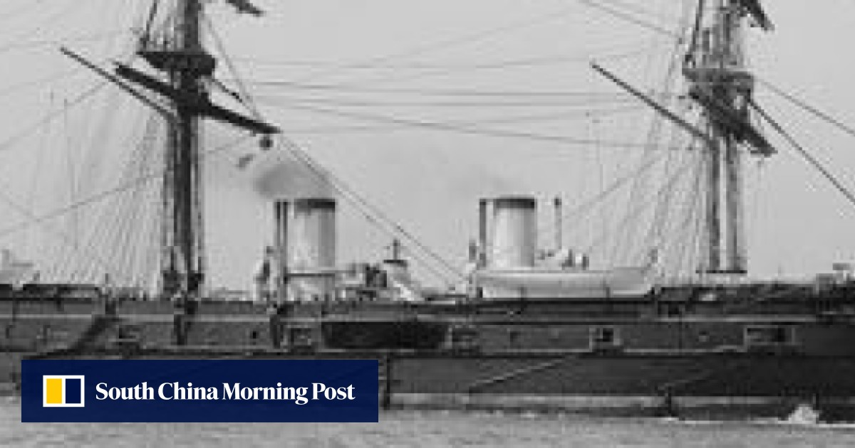 Race for Russian warship's '5,500 boxes of gold' - rumoured